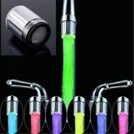 Cap de robinet cu LED si senzor de temperatura