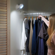 Spot luminos LED cu senzor de miscare